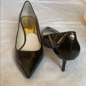 Michael Kors low high heel